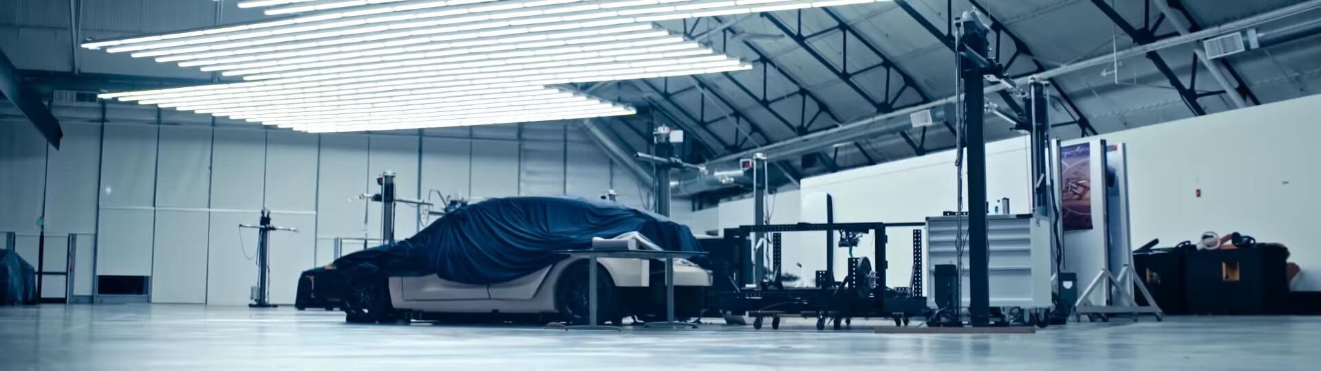 Неизвестный автомобиль в рекламном ролике Tesla