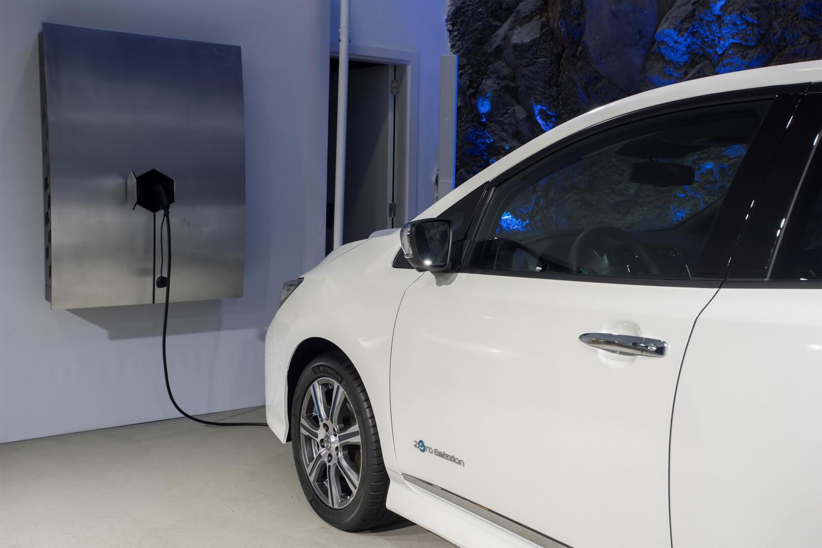 Зарядка Nissan Leaf 2018 от блока хранения энергии xStorage