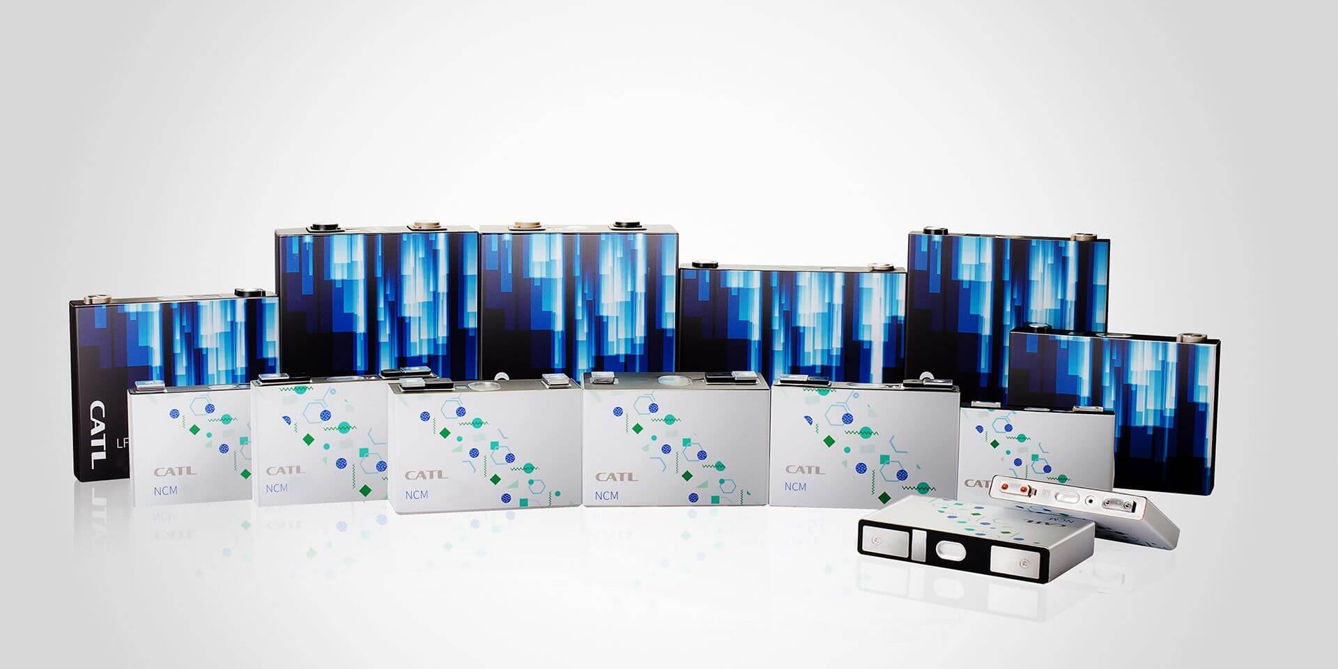 Ячейки батарей CATL