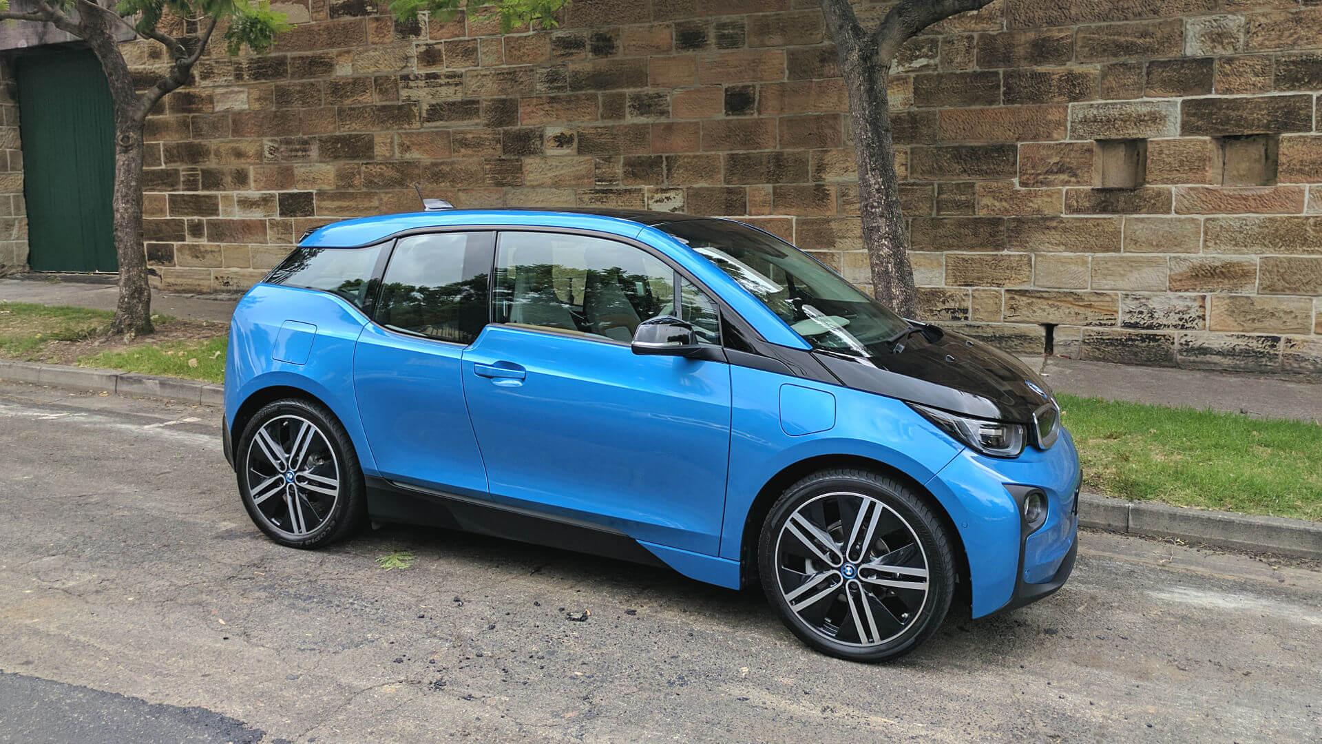 Электромобиль с увеличенным запасом хода BMW i3 Rex