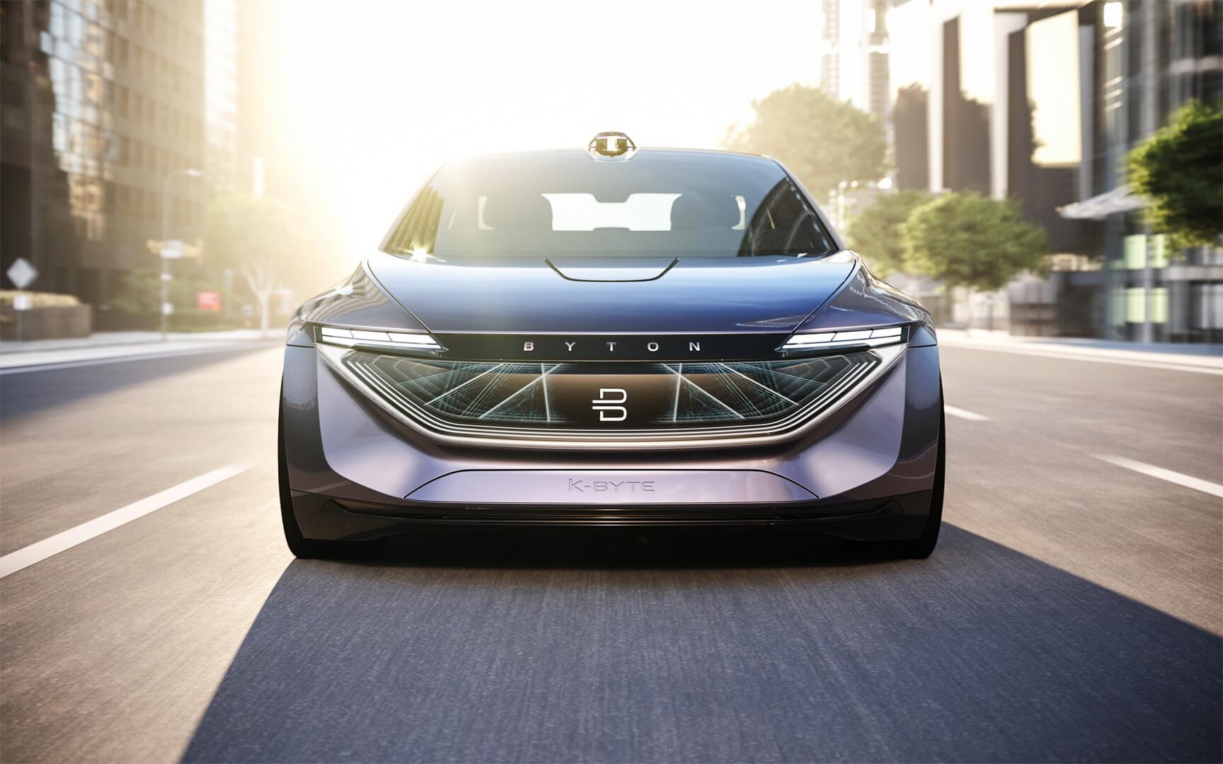 Концепт автономного электрического седана BYTON K-Byte — вид спереди