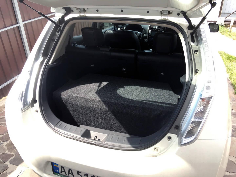 Двойная батарея в электромобиле Nissan Leaf 2013