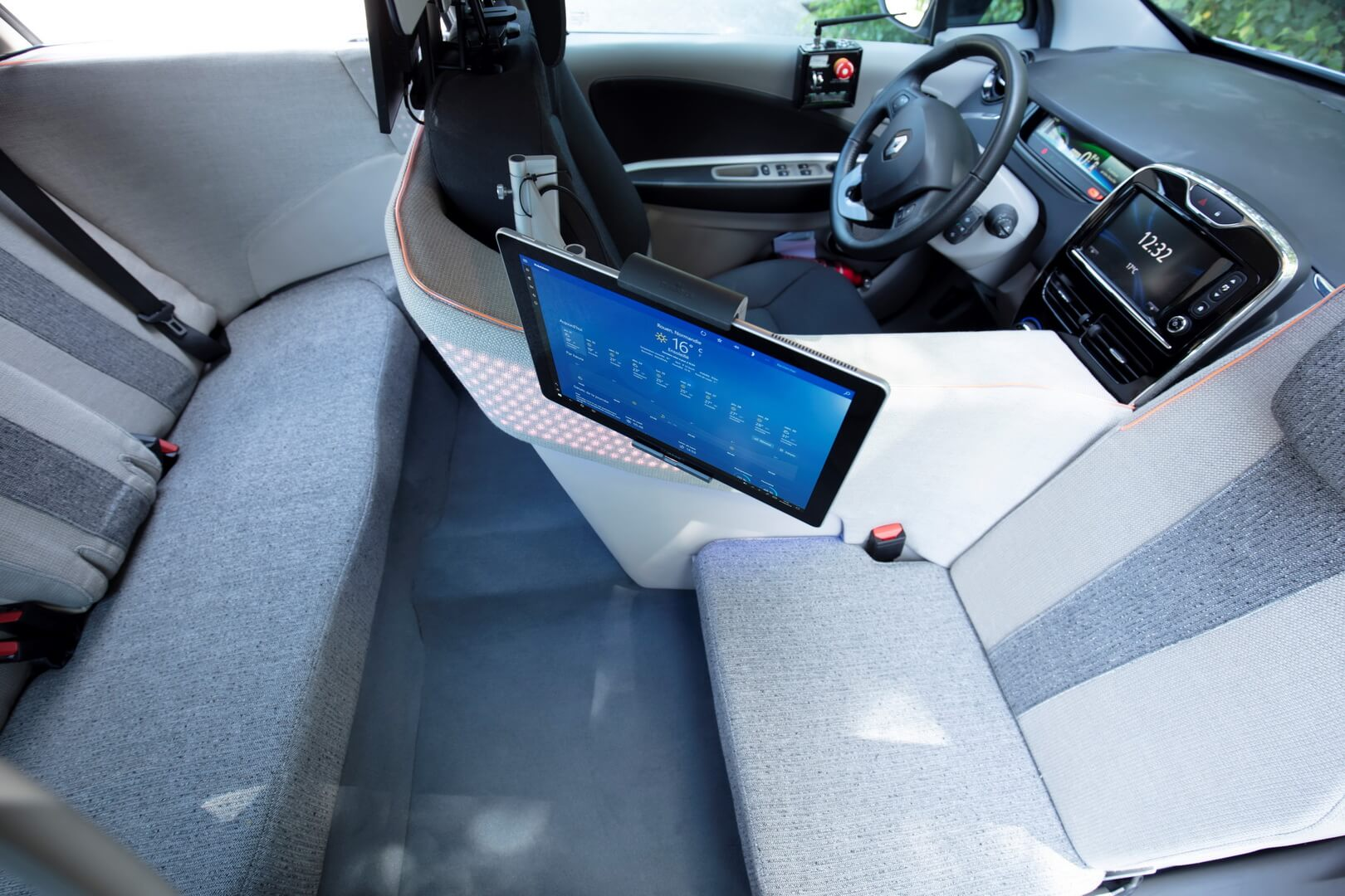 Переделанный салон Renault ZOE