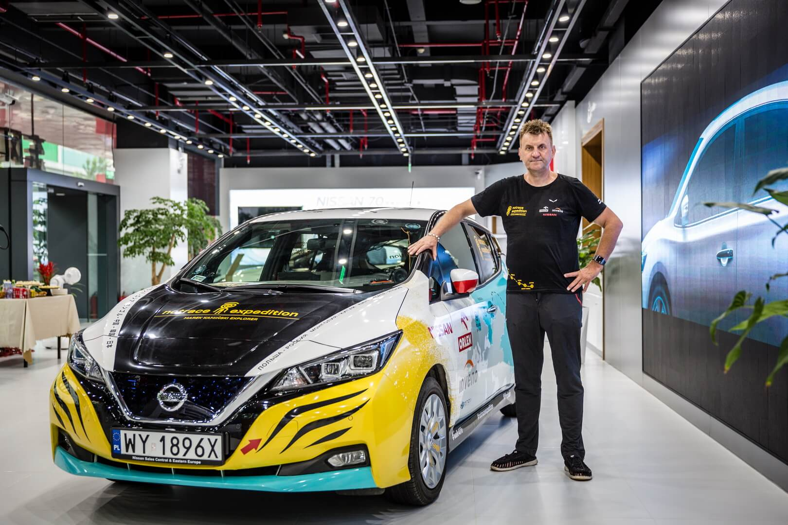 Марек Каминский с Nissan Leaf 2018