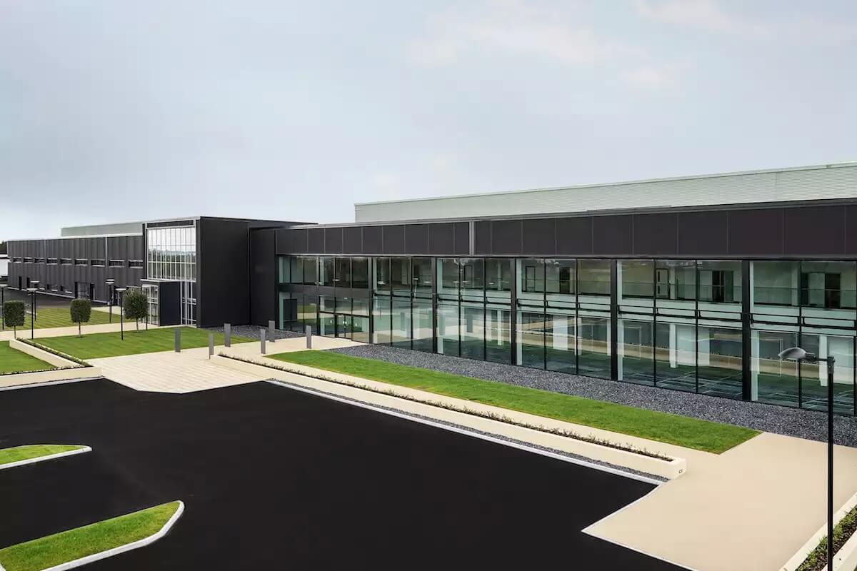 Завод Aston Martin в Южном Уэльсе