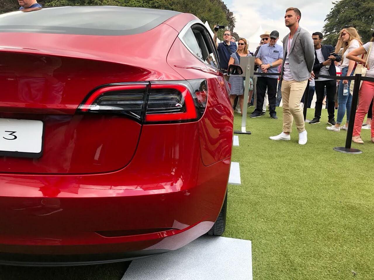 Tesla Model 3 на Фестивале скорости Гудвуда в 2018 году