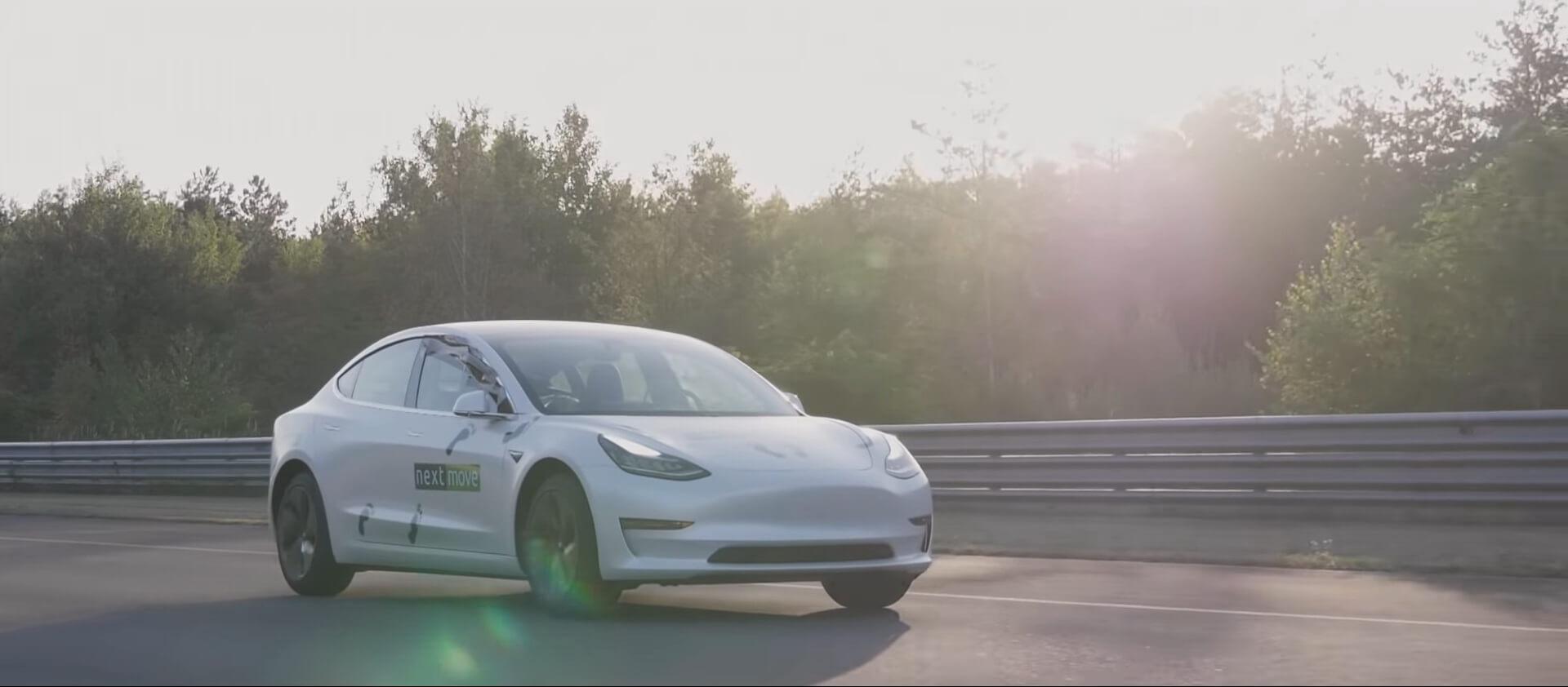Tesla Model 3в Германии на испытательном полигоне
