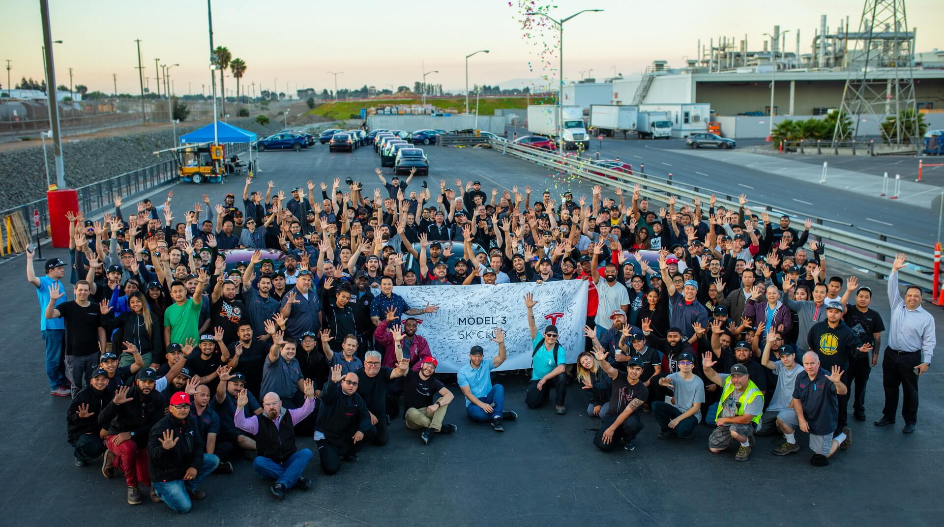 Фотография команды Tesla