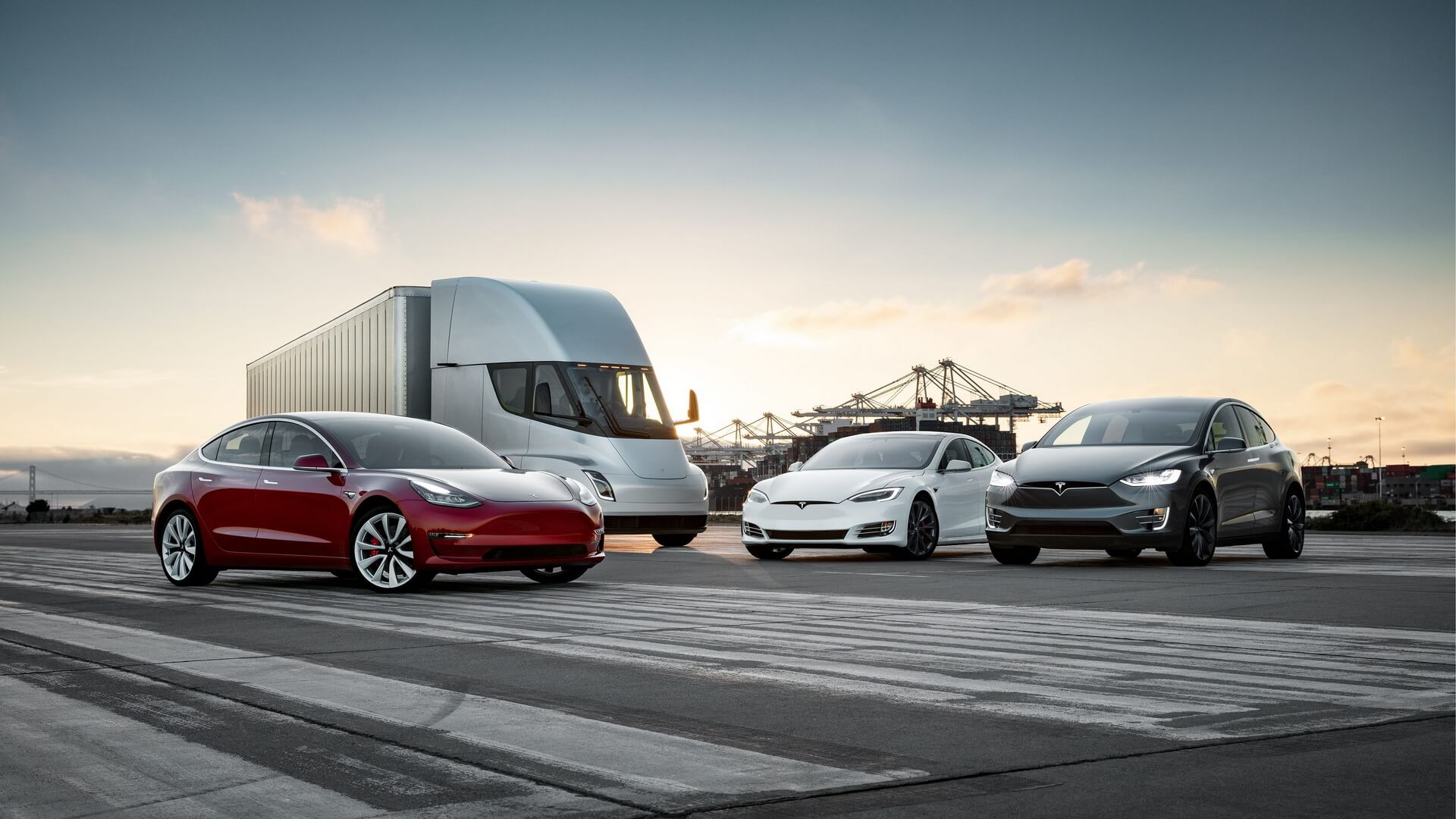 «SX3Semi-Family» - Tesla представила фотографию всех электромобилей