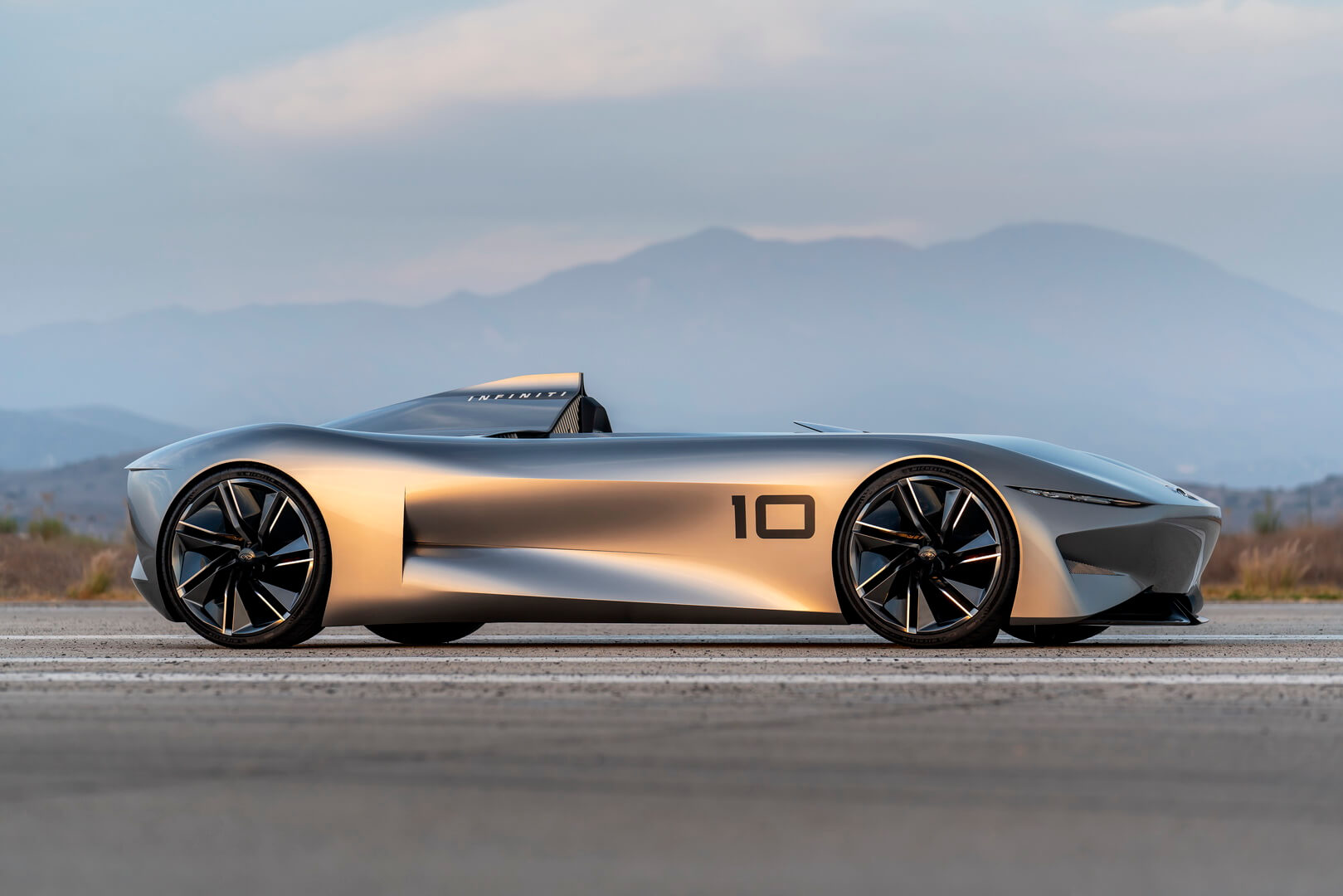 Прототип электромобиля Infiniti 10