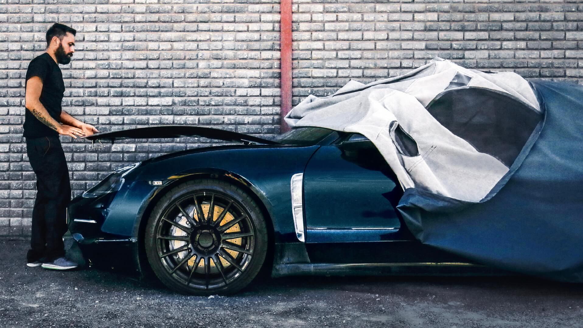 Первый полностью электрический спортивный автомобиль Porsche Taycan