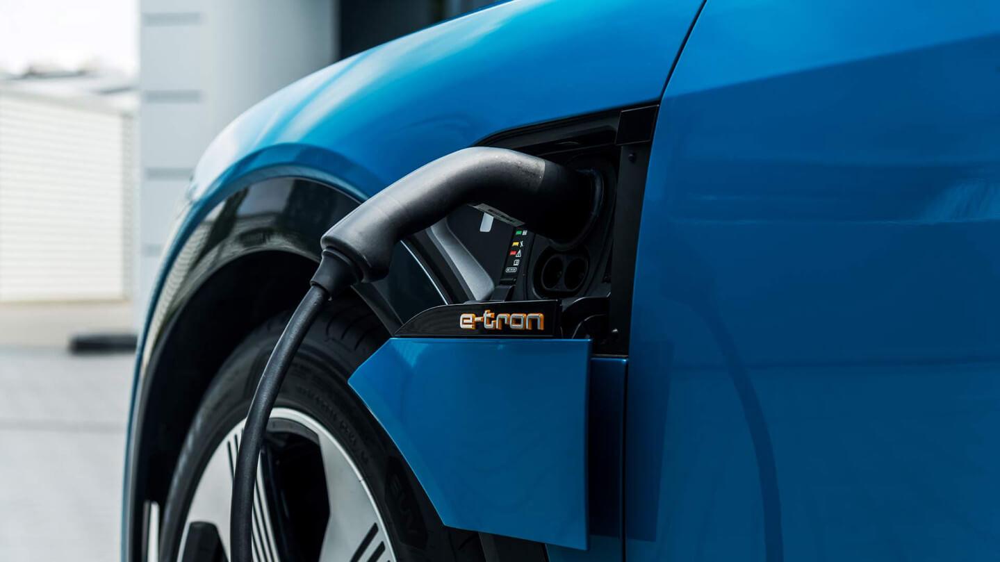 Порт зарядного устройства Audi e-tron quattro