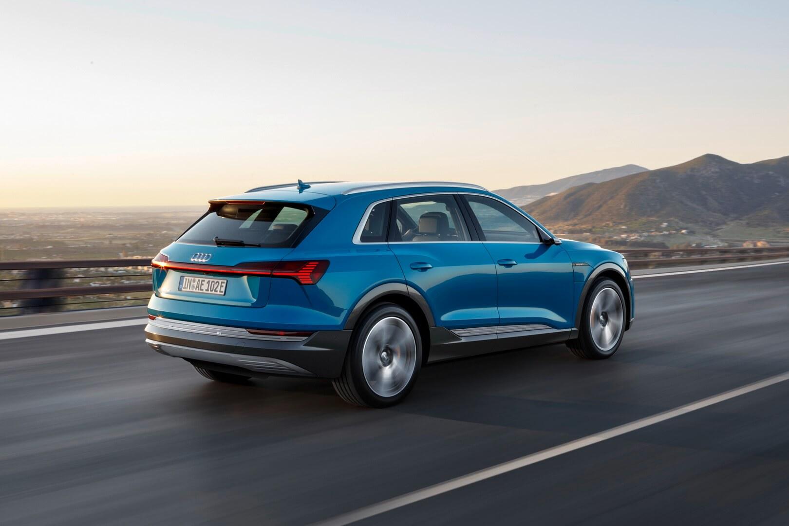 Фотография экоавто Audi e-tron 55 quattro - фото 15