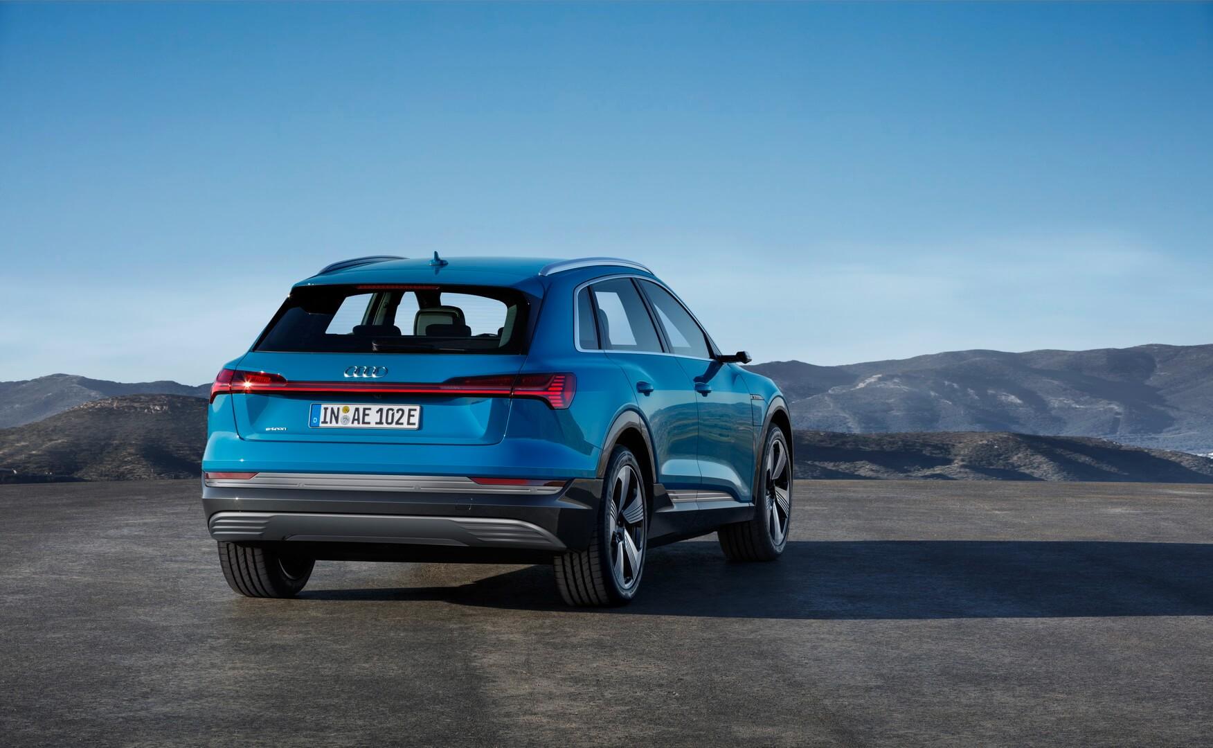 Фотография экоавто Audi e-tron 55 quattro - фото 7