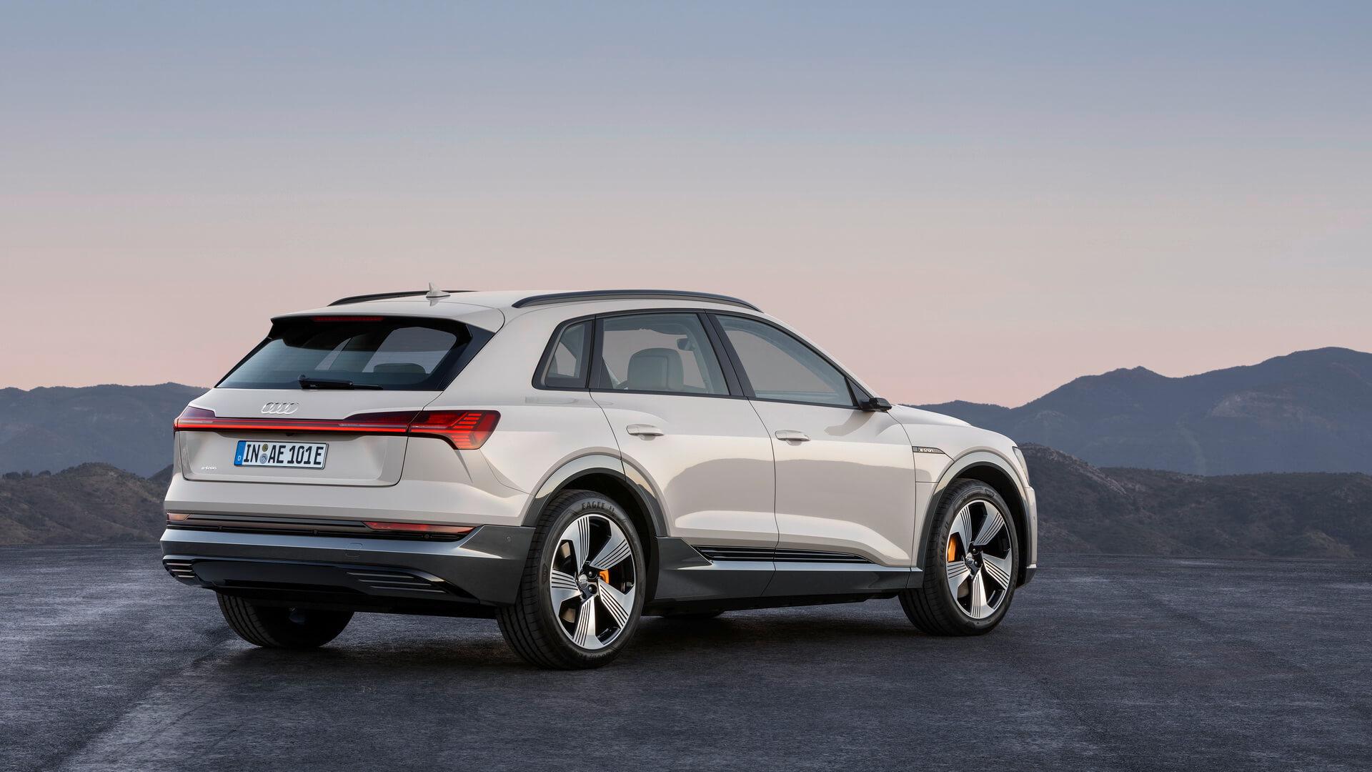 Фотография экоавто Audi e-tron 55 quattro - фото 5