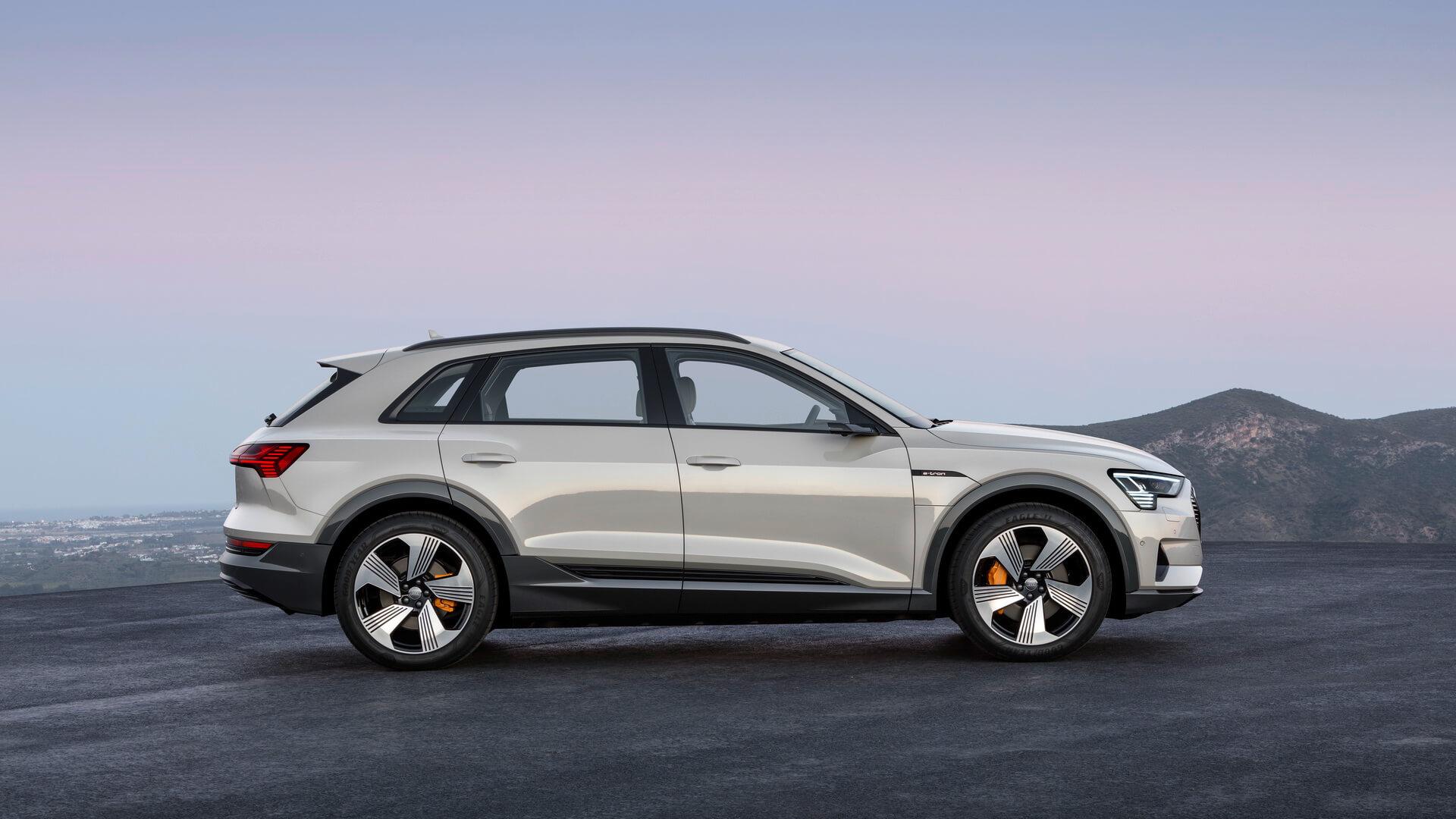 Фотография экоавто Audi e-tron 55 quattro - фото 3