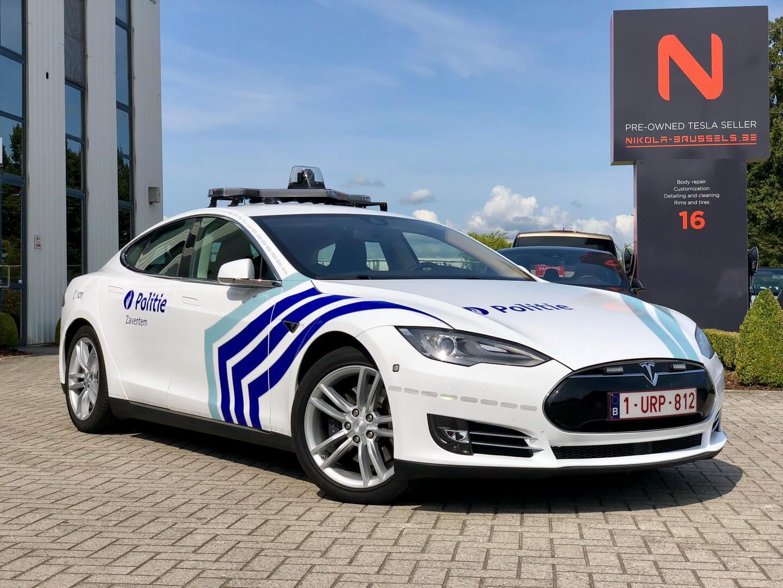 Полицейские Tesla Model S 85D