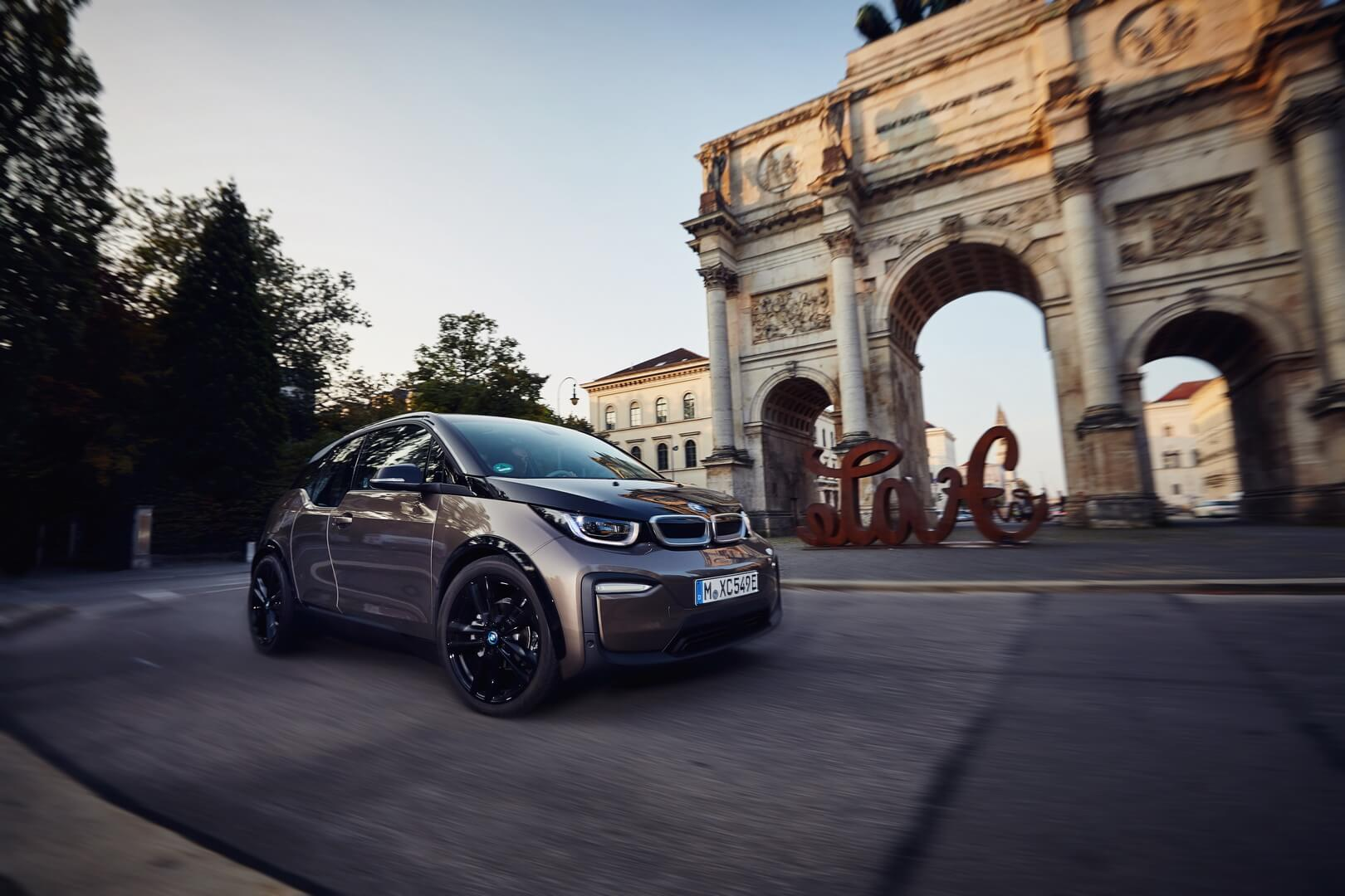Фотография экоавто BMW i3s 2019 (42.2 кВт•ч) - фото 11