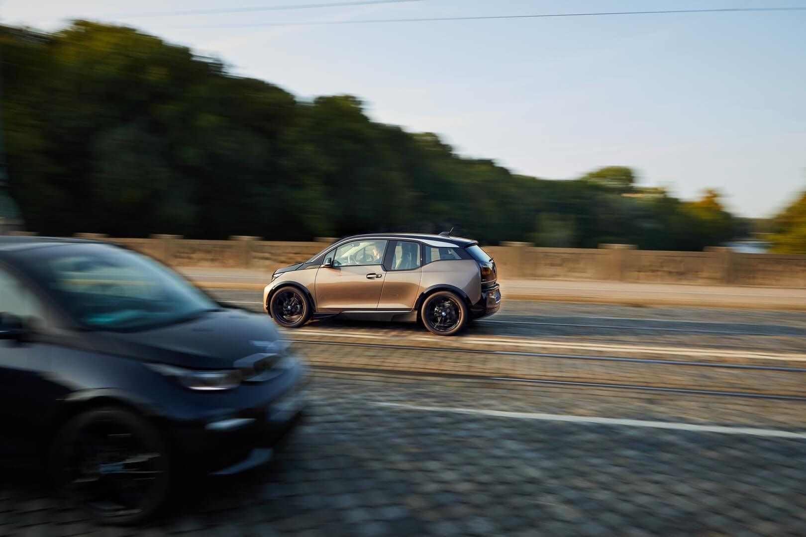 Фотография экоавто BMW i3 2019 (42.2 кВт•ч) - фото 10