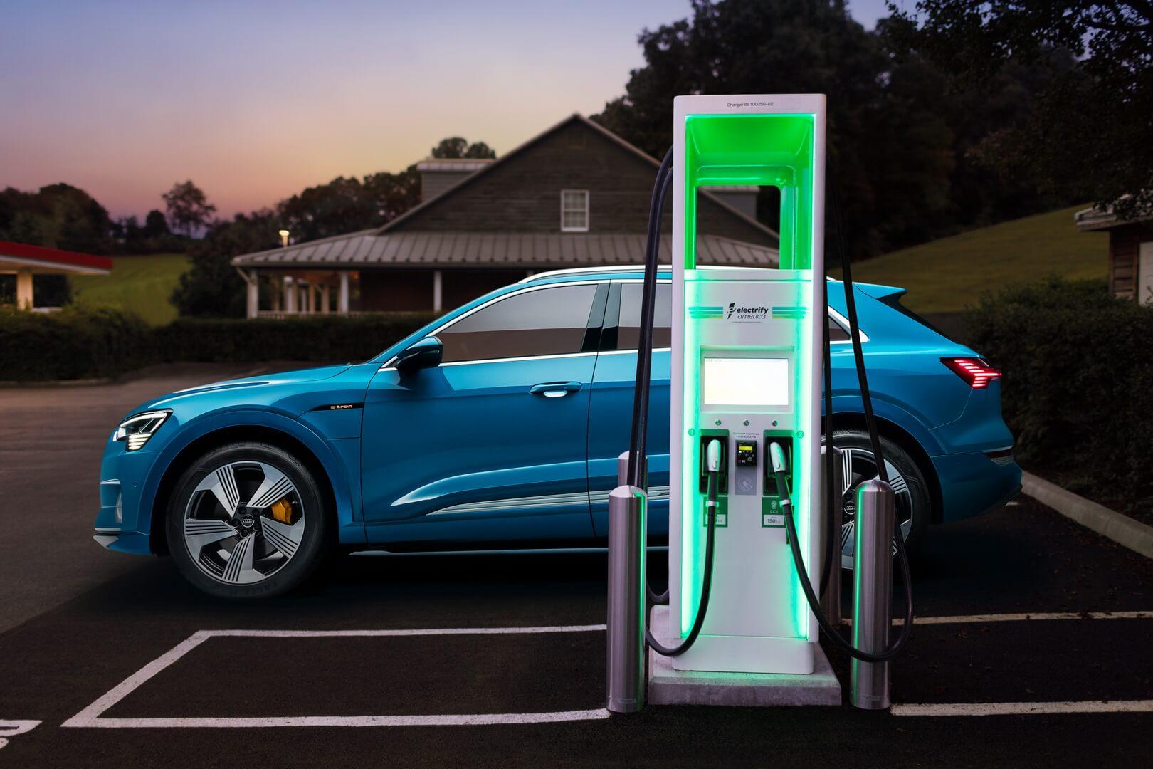 Зарядка электромобиля Audi e-tron quattro