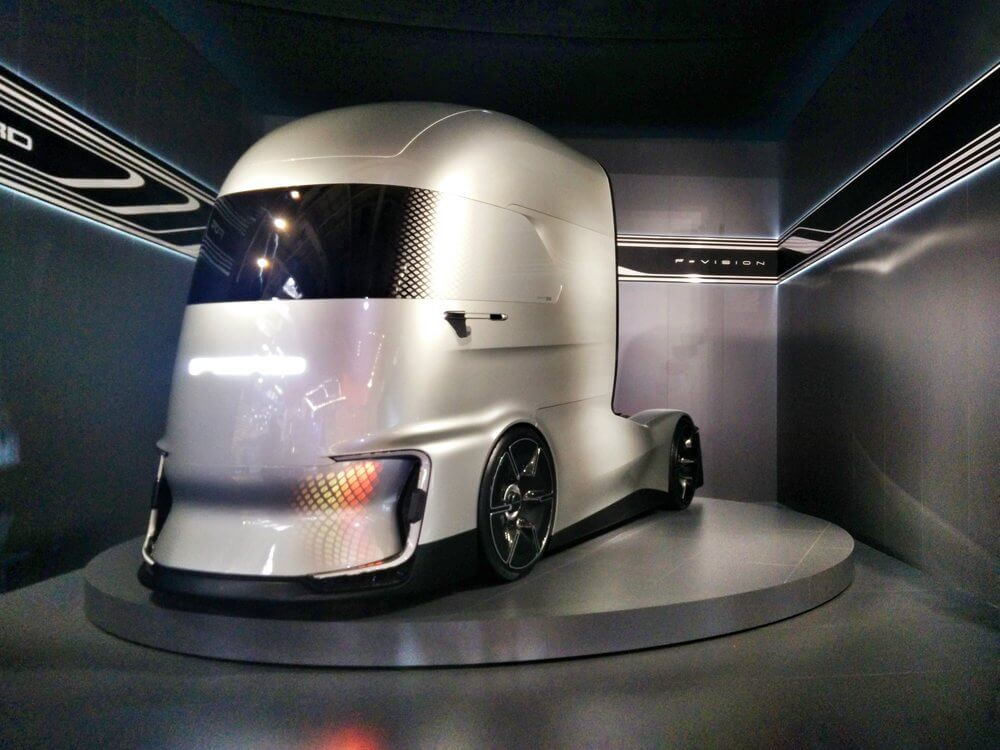 Концепт электрического грузовика F-Vision Future Truck
