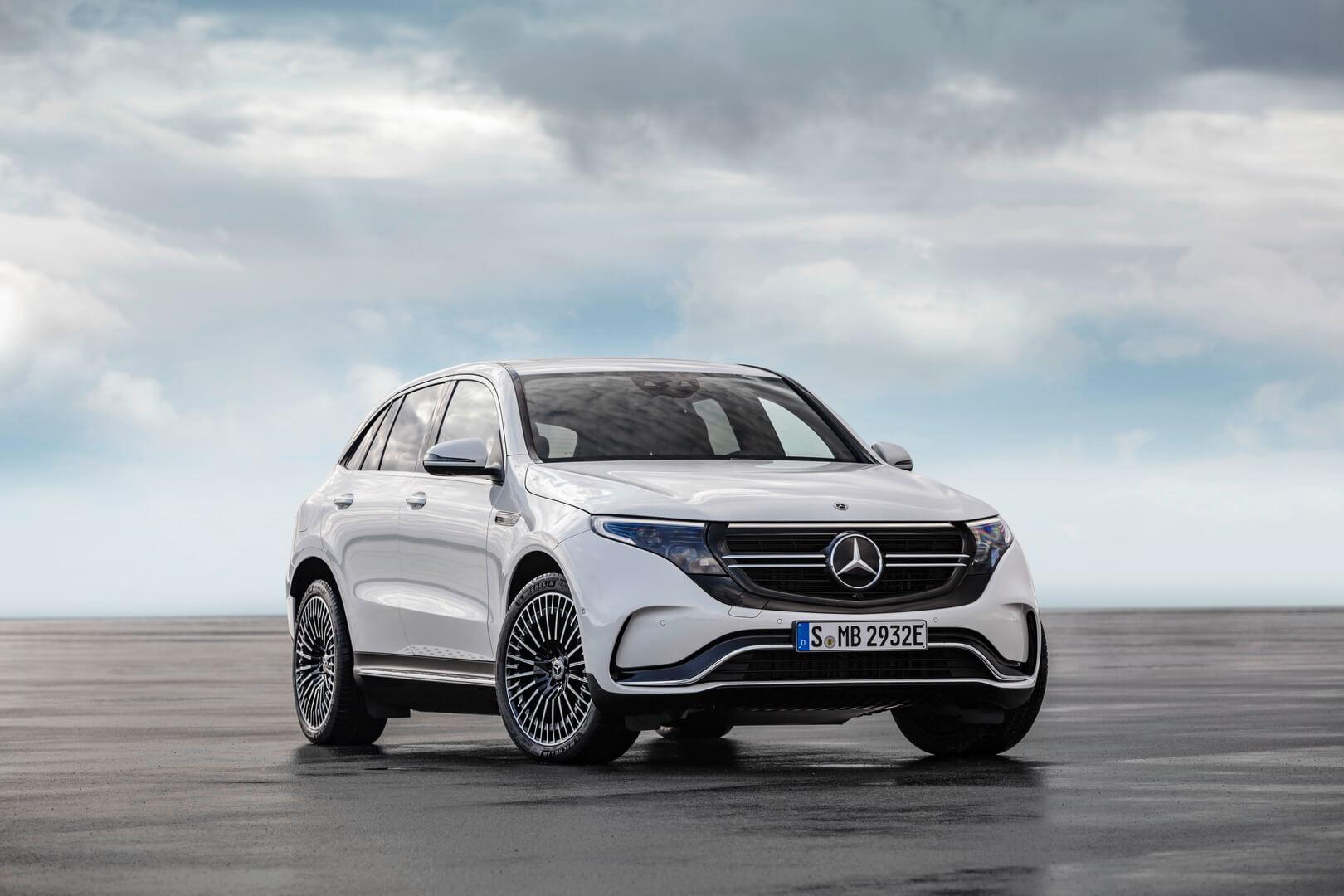 Экстерьер электрокроссовера Mercedes-Benz EQC