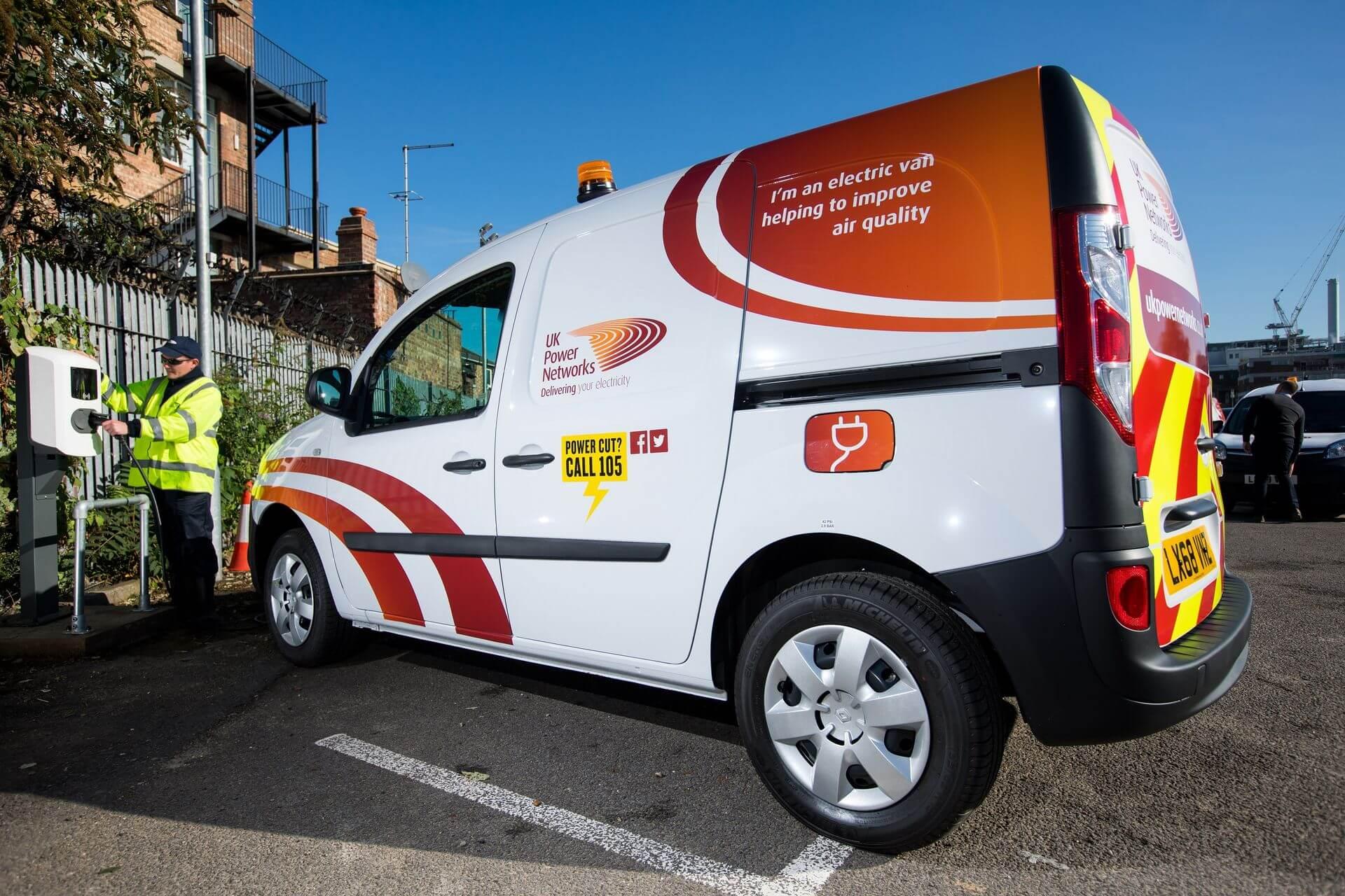 Электрические фургоны Renault Kangoo Z.E. энергетической компании UK Power Networks