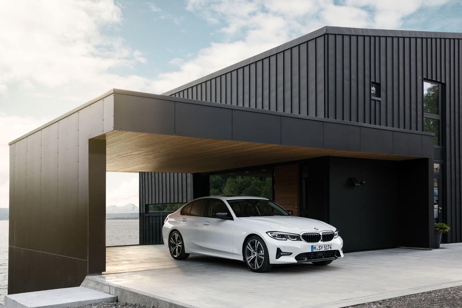 Плагин-гибридный BMW 330e iPerformance 2019