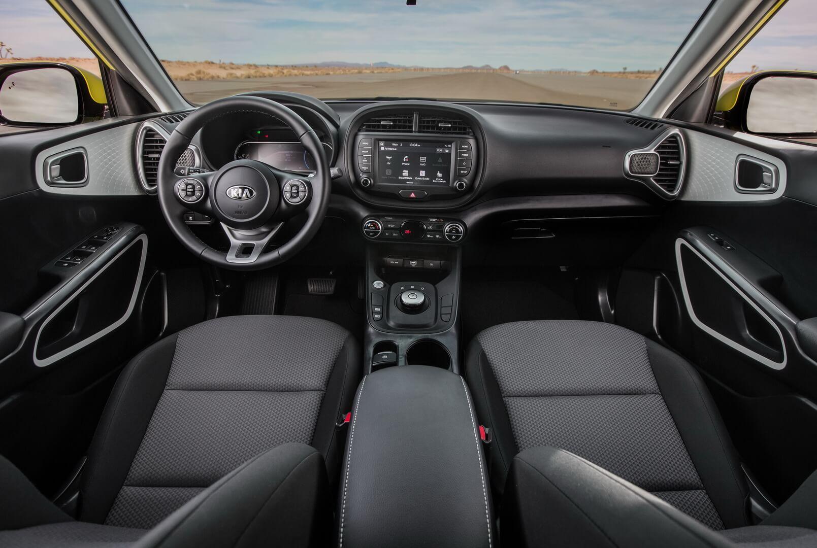Салон электромобиль Kia Soul EV 2020
