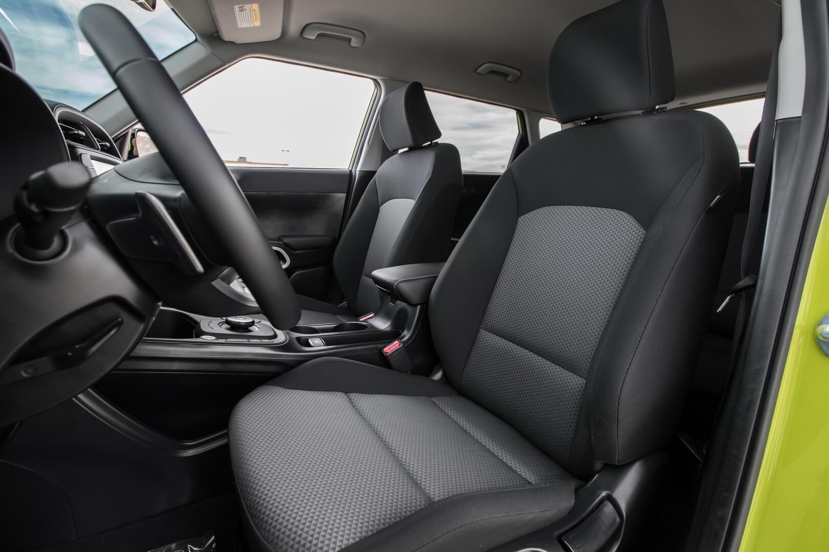 Передние сиденья Kia Soul EV 2020