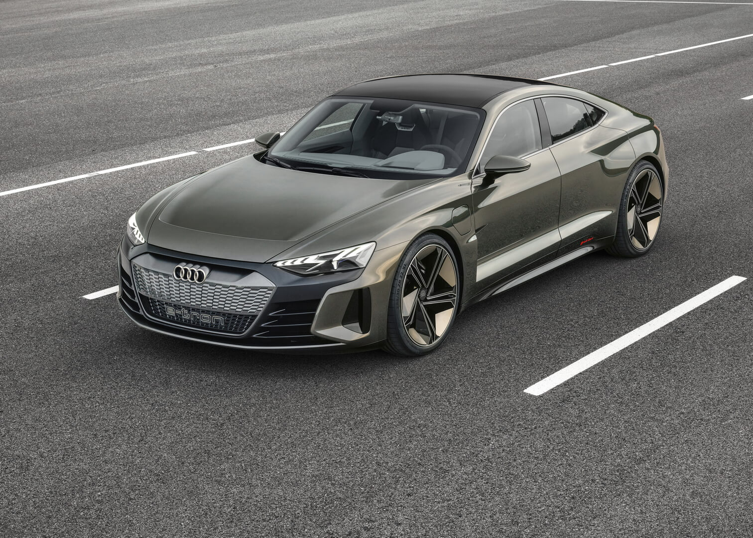 Электромобиль Audi e-tron GT