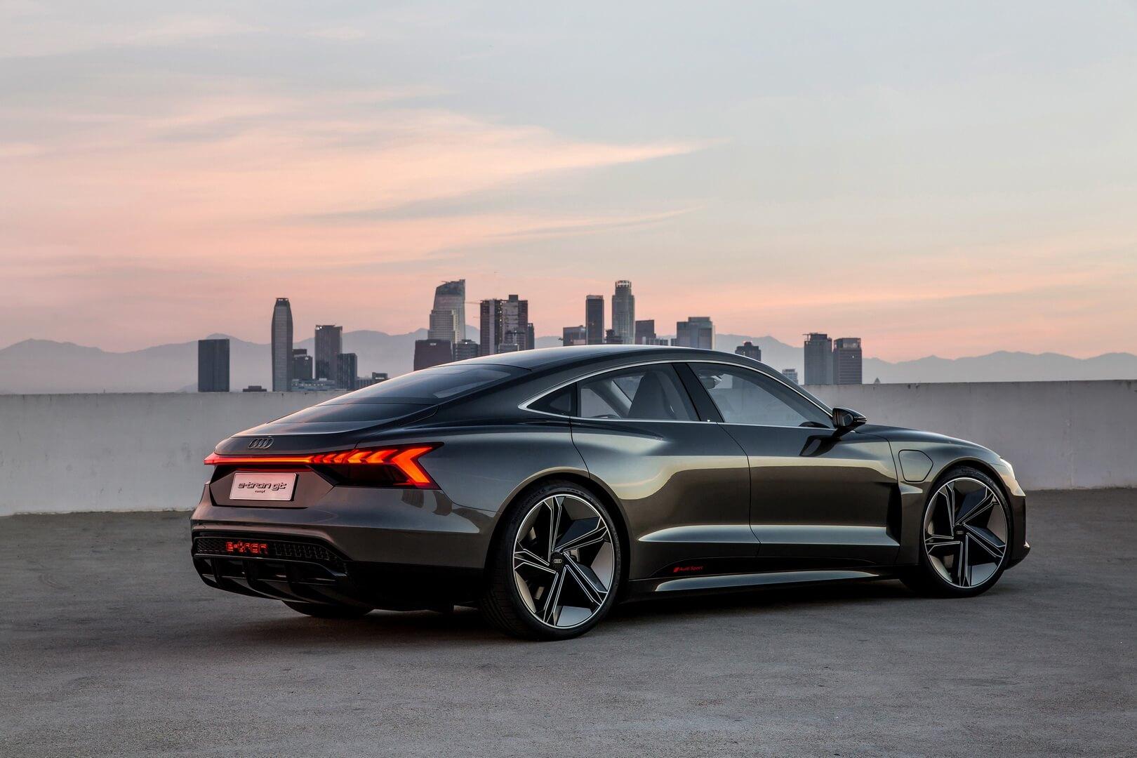 Электромобиль Audi e-tron GT - фото 4