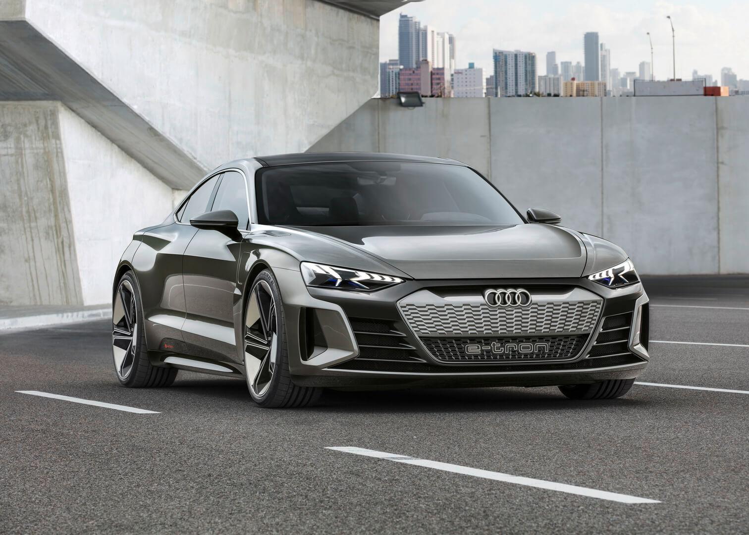 Концепт электрического автомобиля Audi e-tron GT