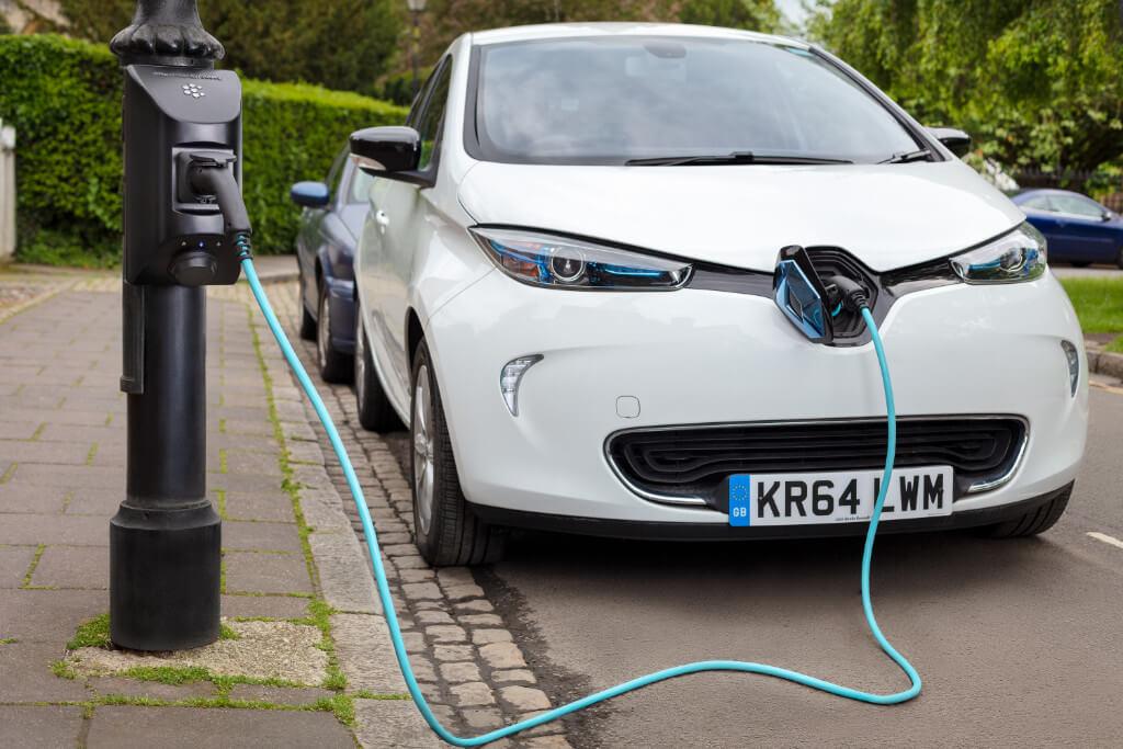 Char.gy оборудовали первый лондонский фонарь зарядным устройством для электромобилей