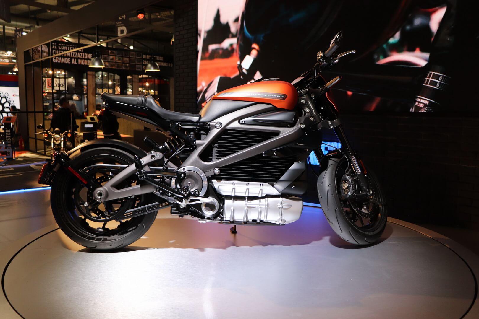 Harley-Davidson LiveWire на мотовыставке EICMA 2018 в Милане