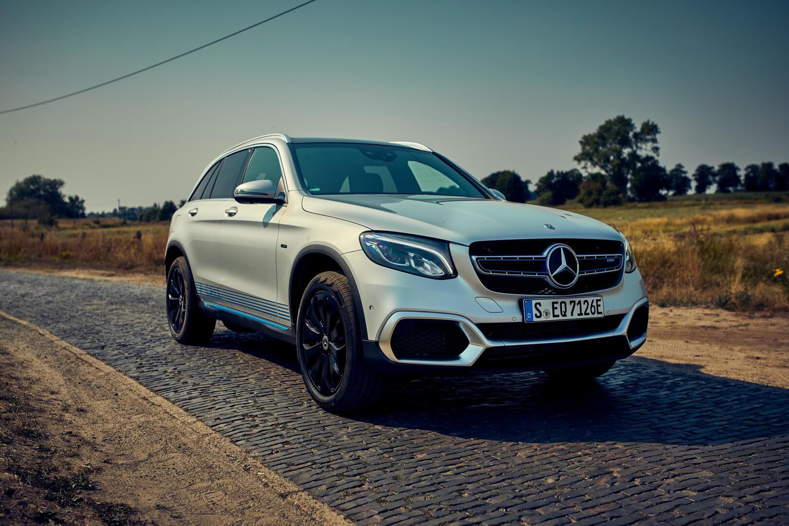 Mercedes-Benz выпустил первый гибридный водородный электромобиль GLC F-Cell