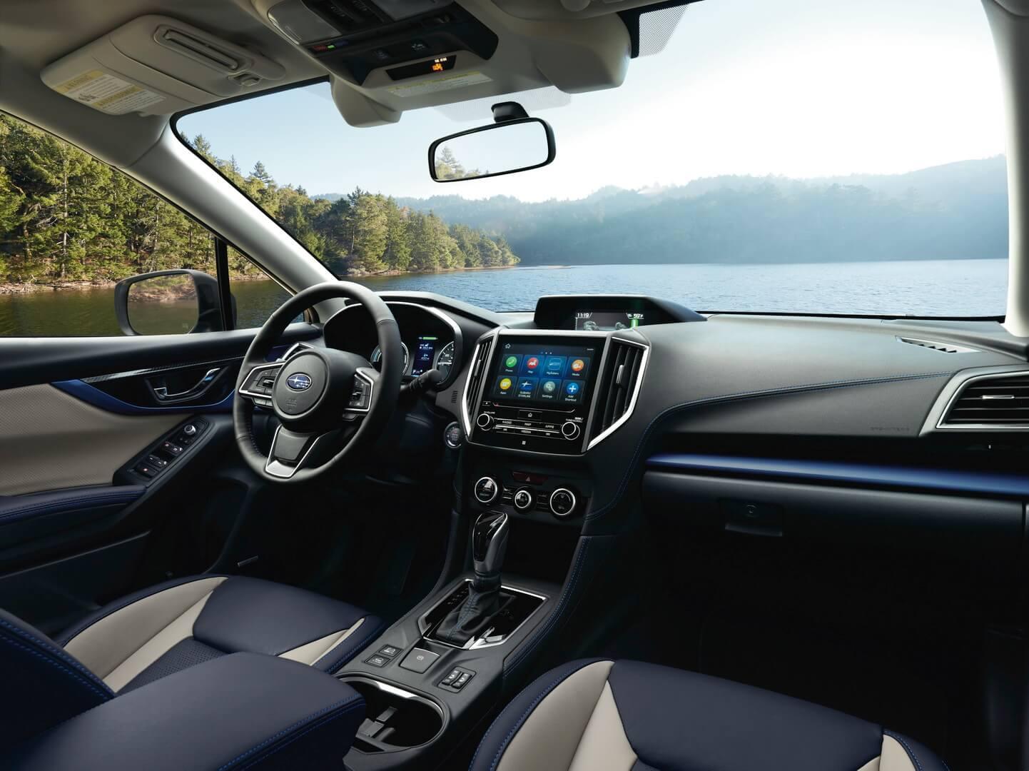 Интерьер салона плагин-гибрида Subaru Crosstrek Hybrid