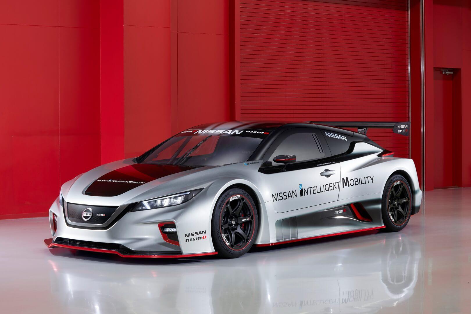 Гоночный электромобиль Nissan Leaf Nismo RC
