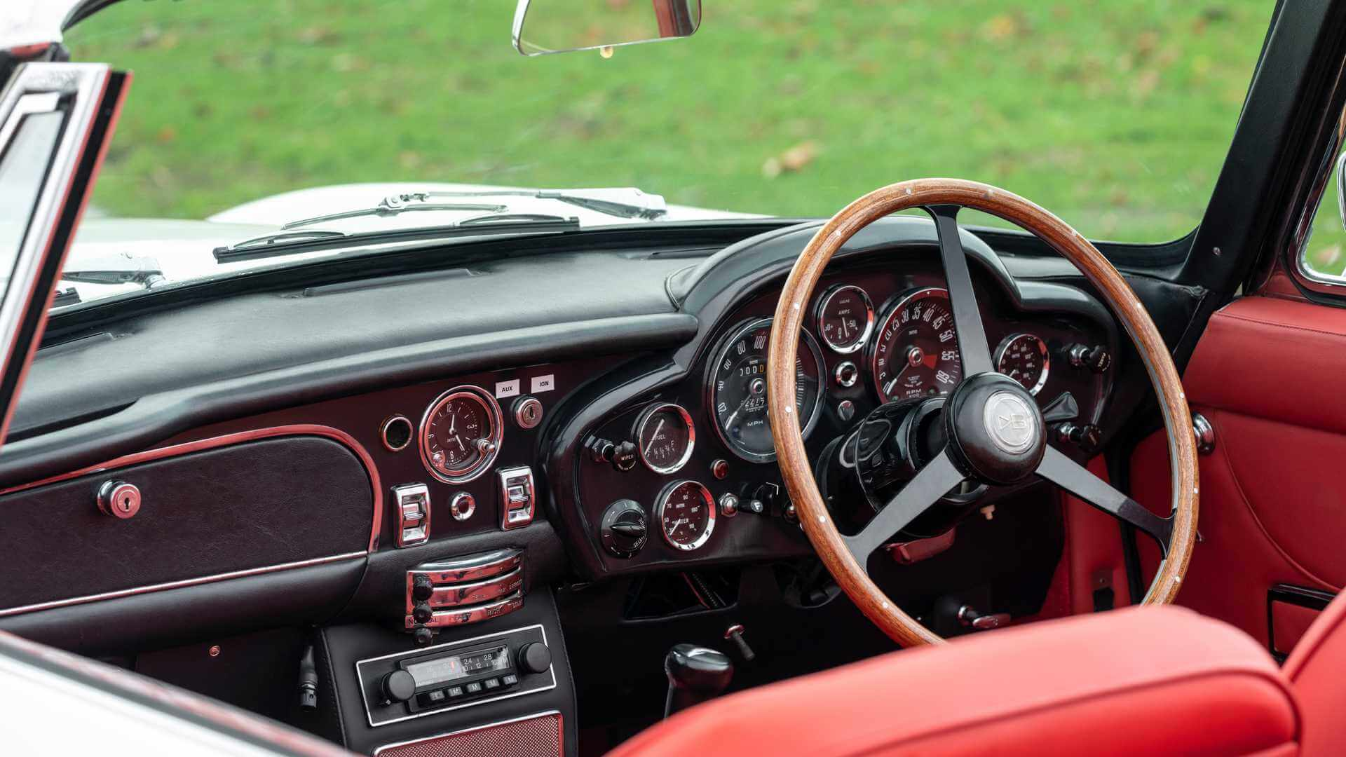 Салон Aston Martin DB6 MkII Volante
