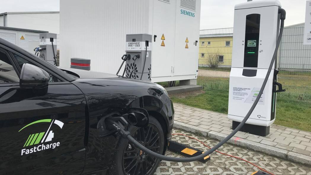 Быстрая зарядка высокой мощности (High Power Charging stations) электромобиля Porsche