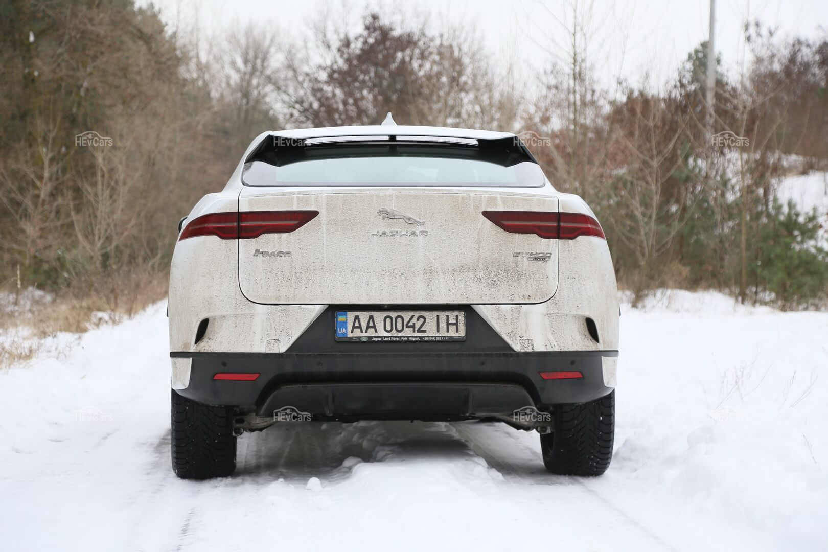 Электрический кроссовер Jaguar I-Pace - фото 4