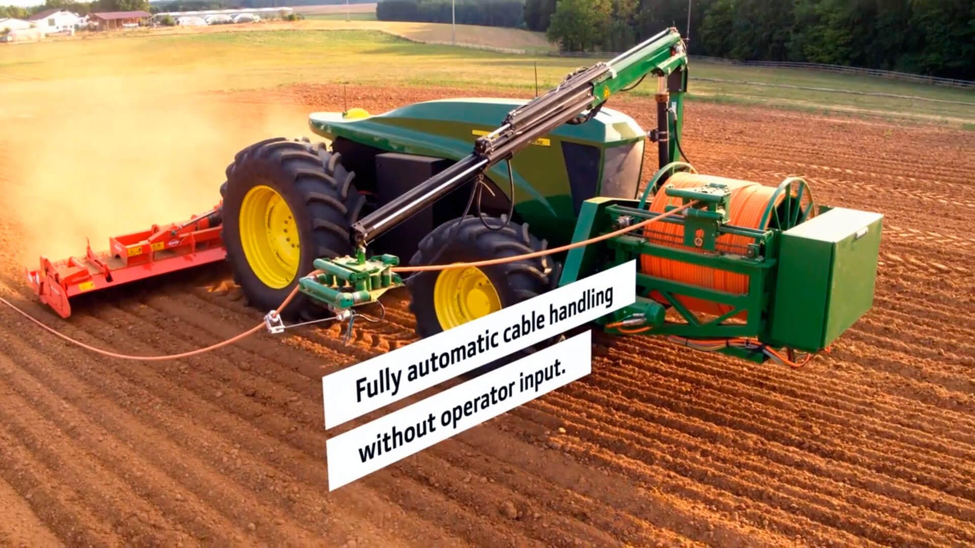 Полностью автономный электрический трактор John Deere