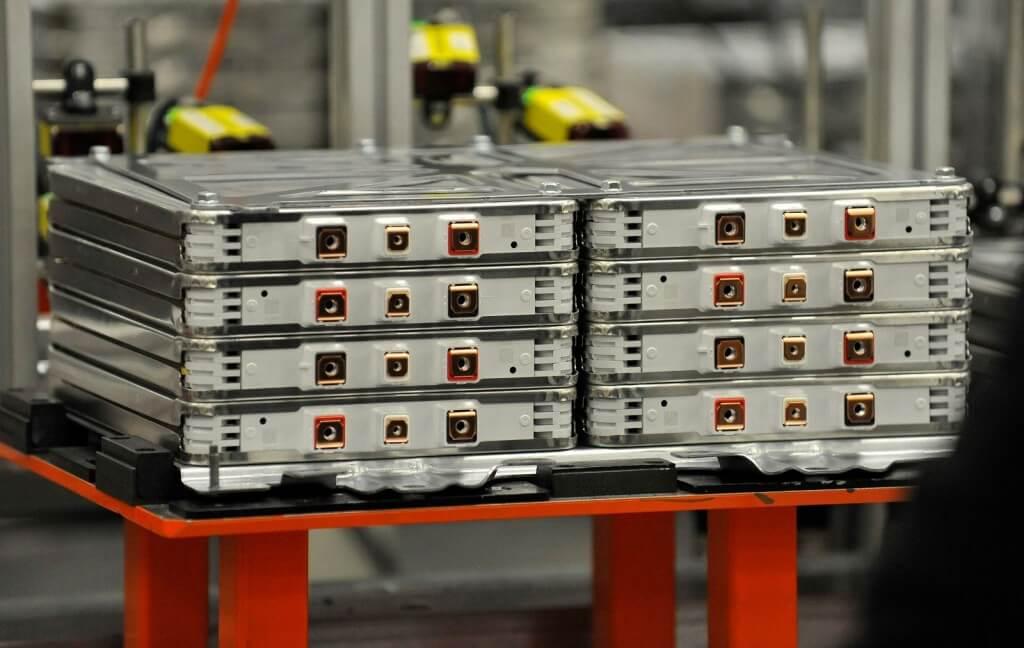 Сборка литий-ионных элементов аккумулятора электромобиля Nissan Leaf