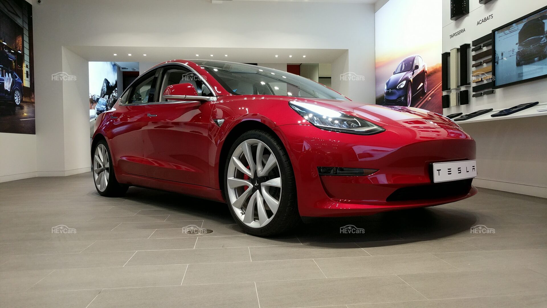 Tesla Model 3 «Long Range»