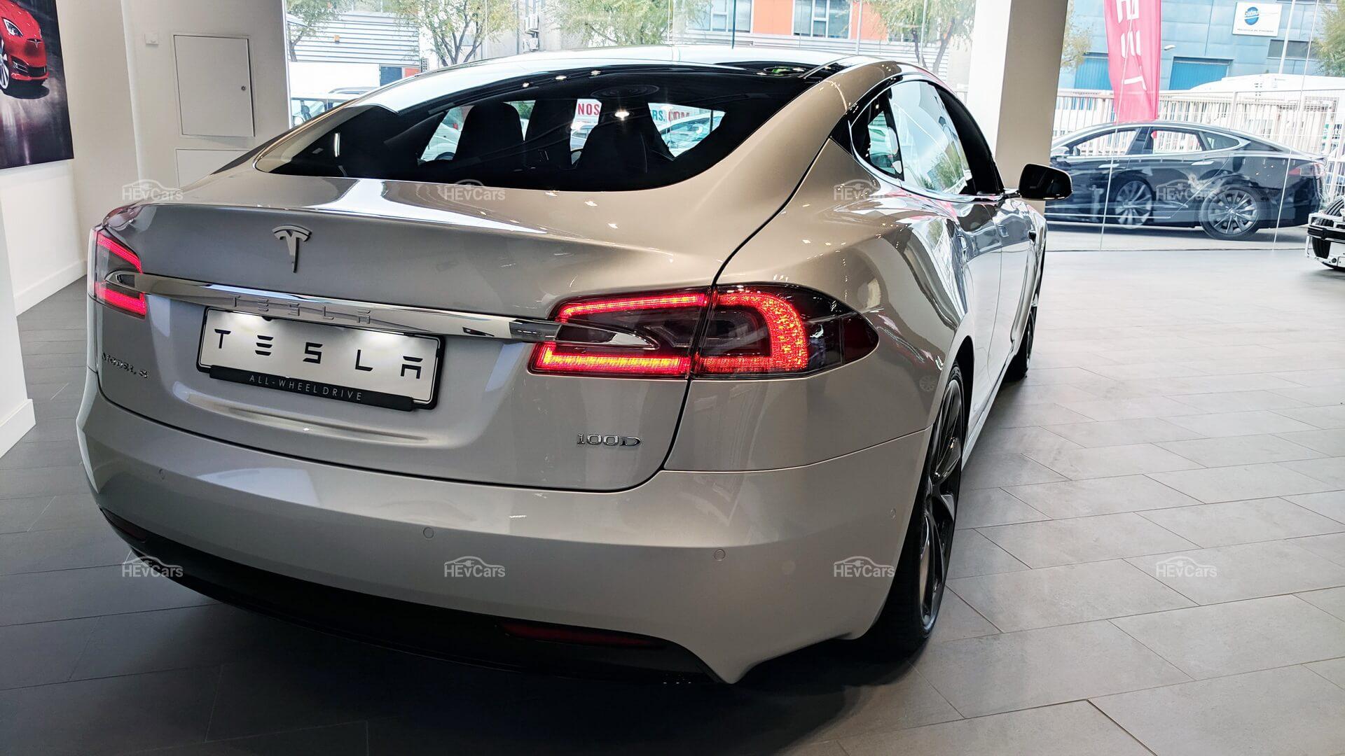 Tesla Model S — электрокар изменивший эпоху автомобилестроения