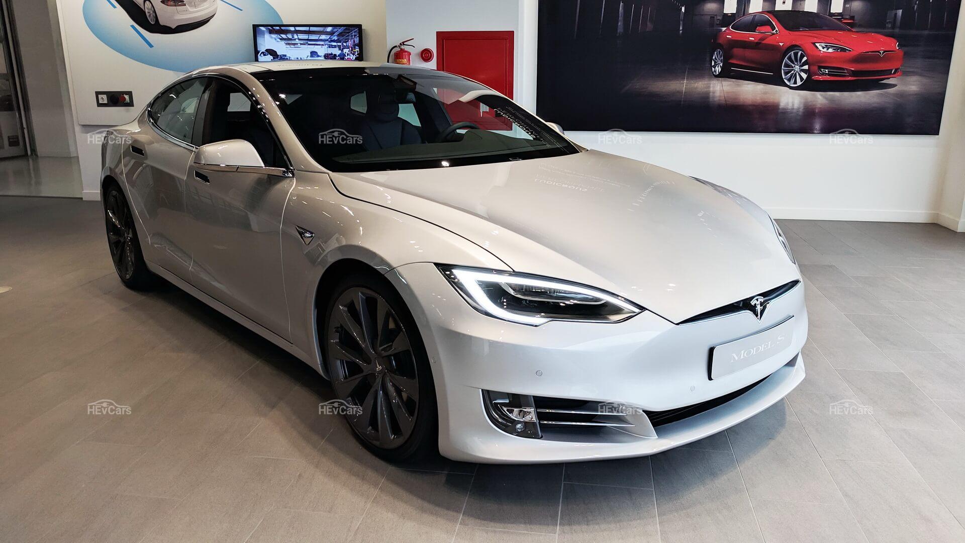 Tesla Model S — вершина инженерной мысли и эталон электрической мобильности