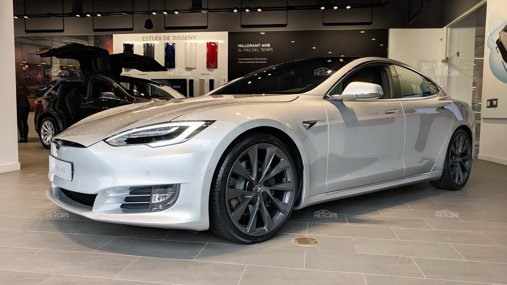 Tesla Model S — первая модель изменившая представление об электрокарах