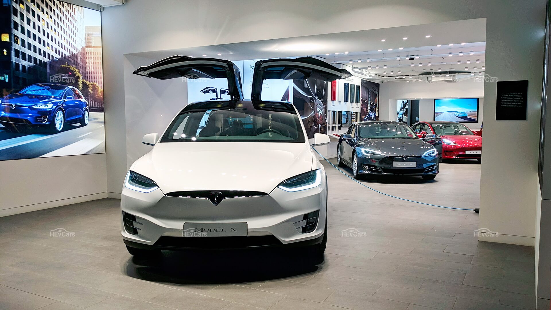 Выпускаемые электромобили Tesla на сегодня