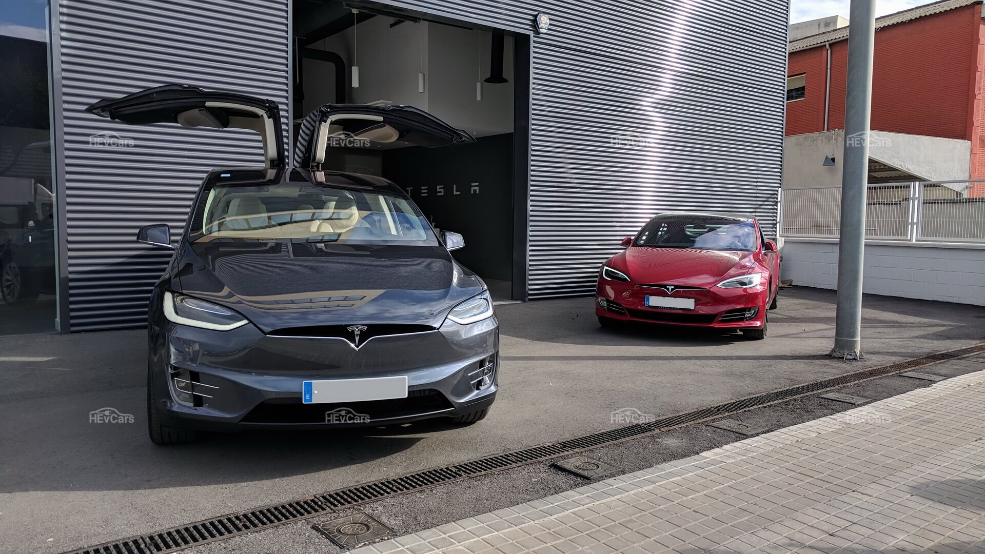 TeslaModel X и Model S