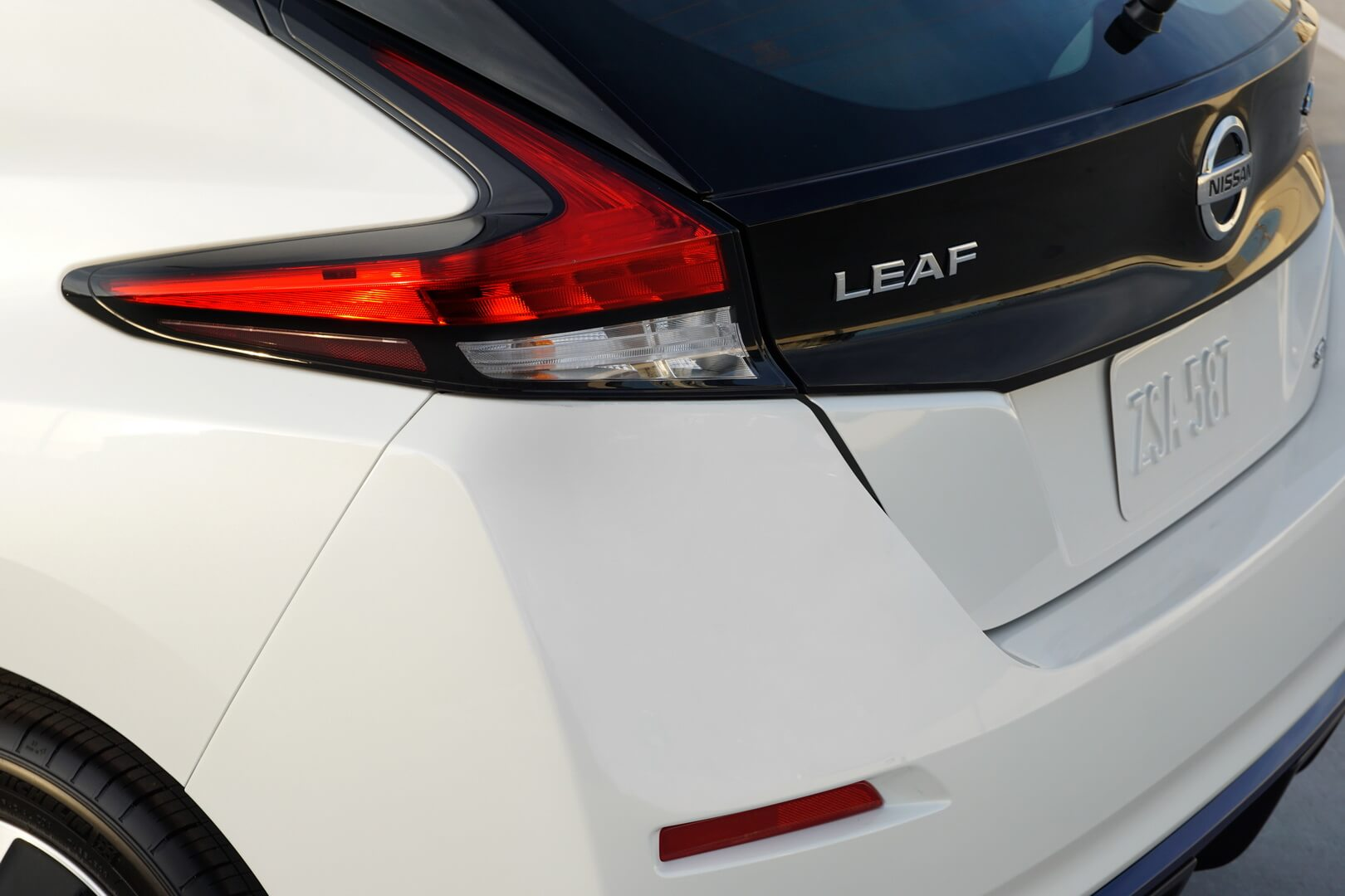 Фотография экоавто Nissan Leaf e+ 2019 (62 кВт•ч) - фото 11